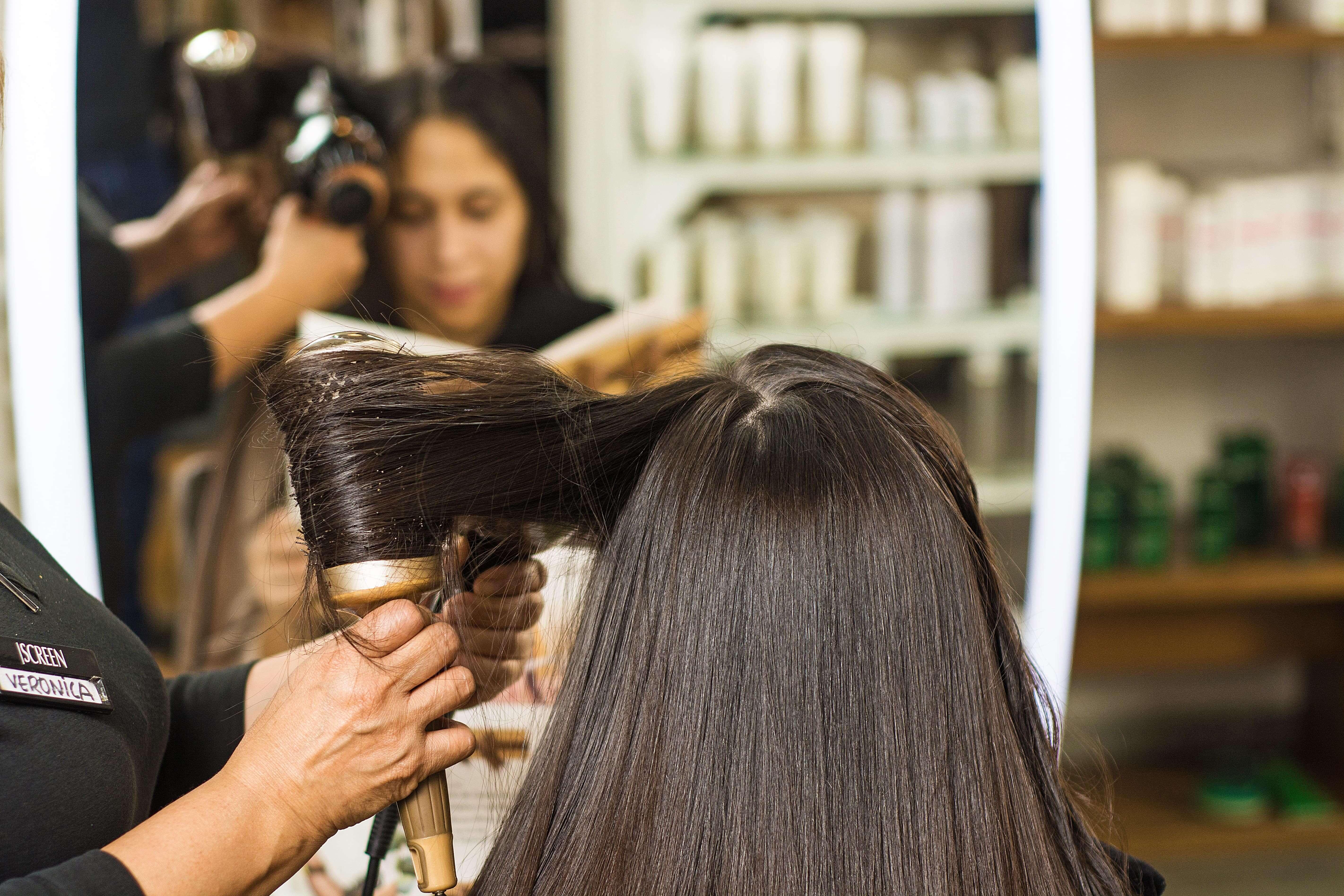 Peinados en Salon de Belleza