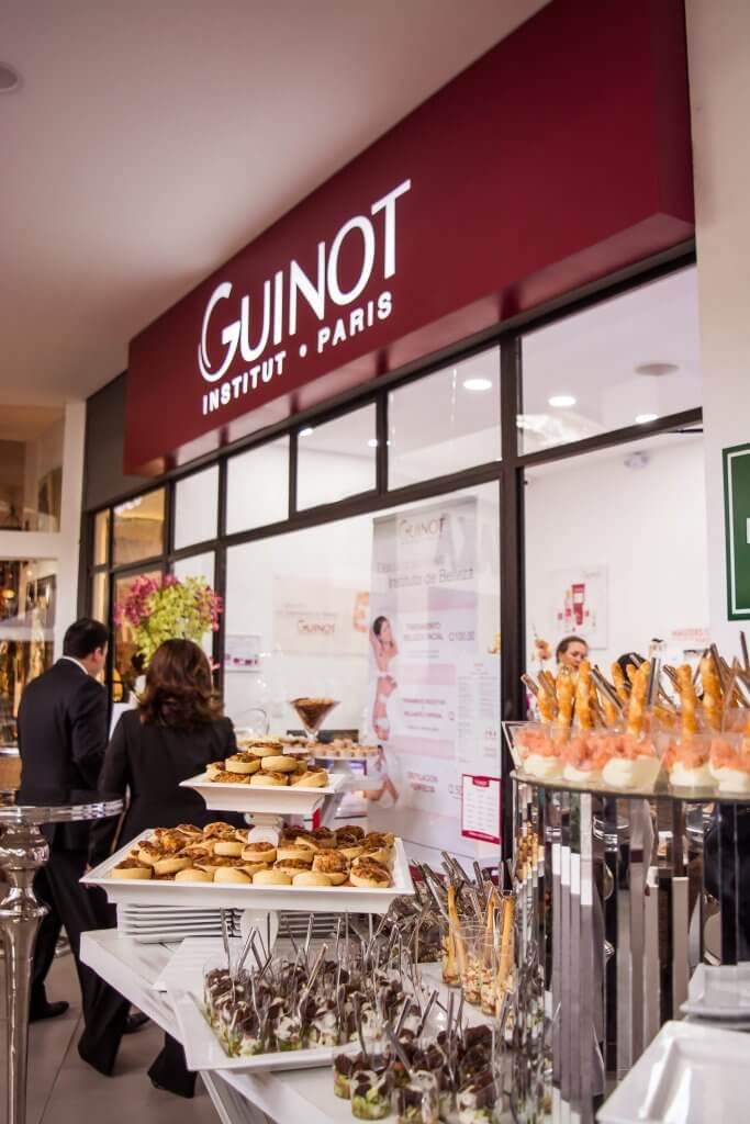 Frente Inauguración Instituto Guinot en Guatemala