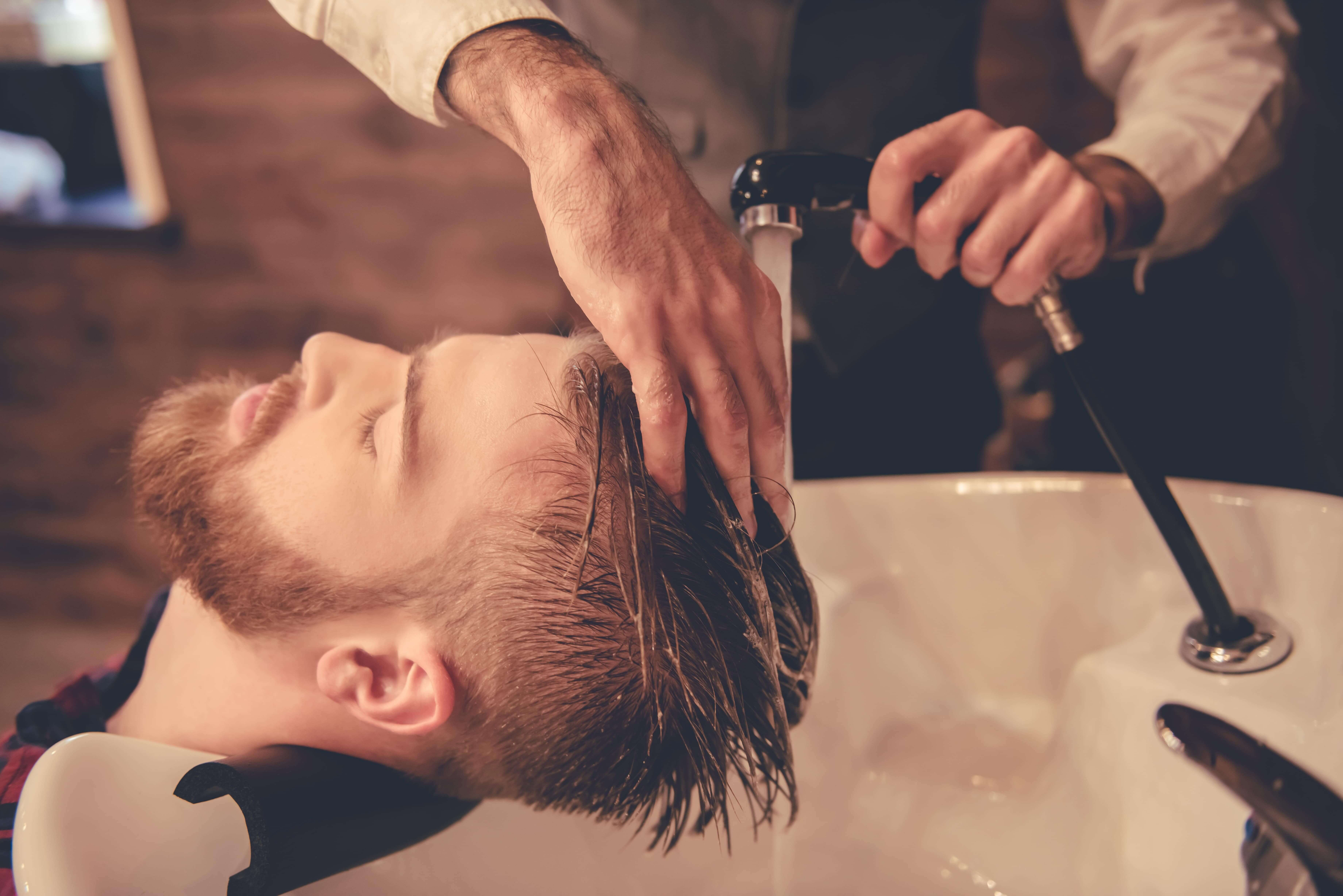 lavado de cabello para hombres