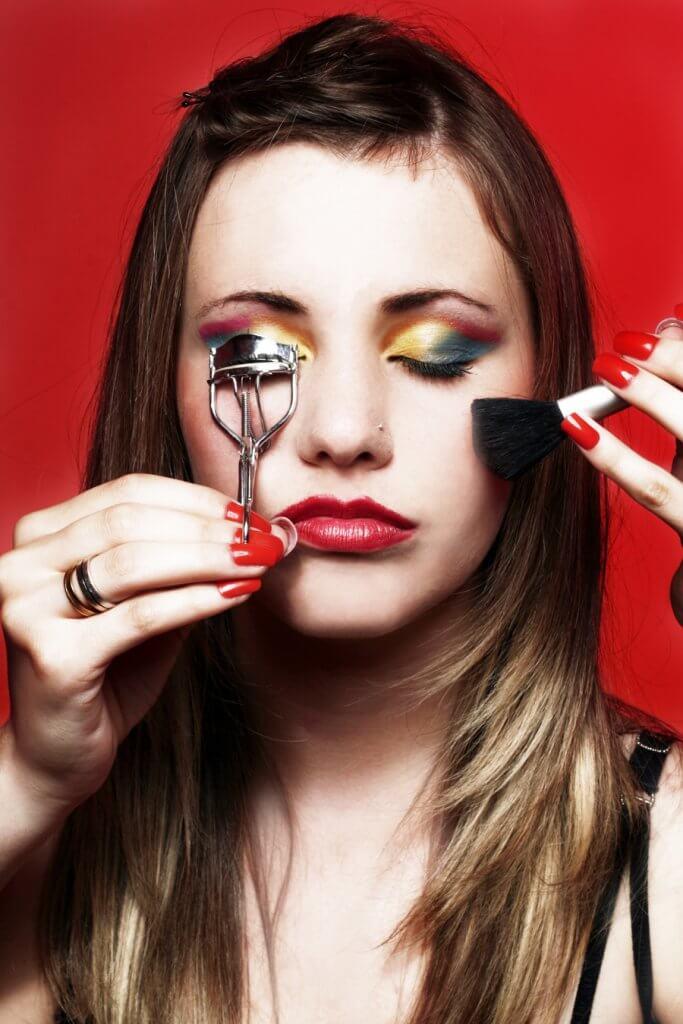 Maquillaje Delineado Colorido