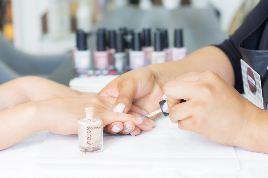 Manicure y Cuidado de Manos